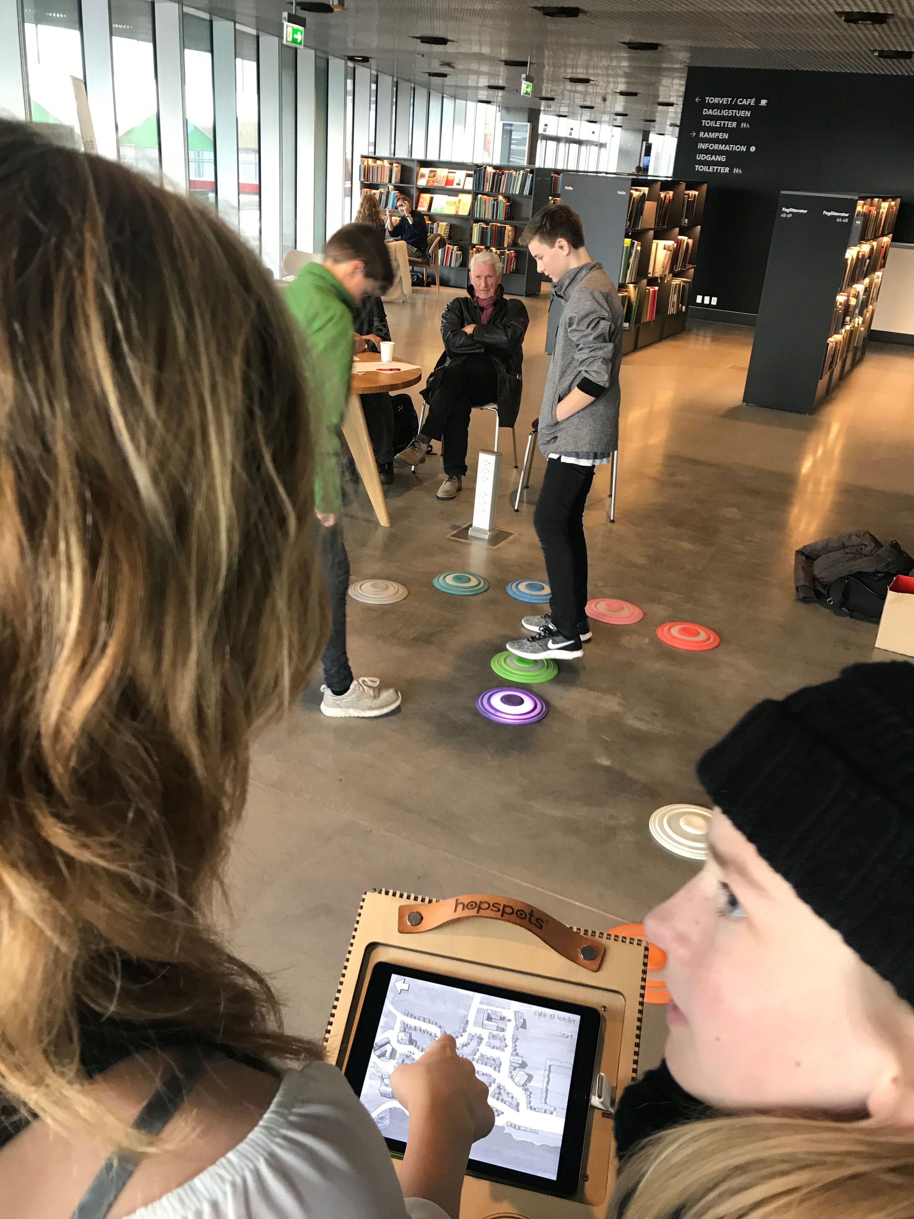 eleverne spiller Lakridsmanden