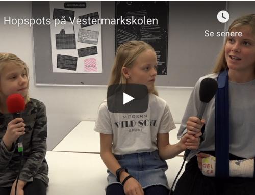 Bevægelse i klasselokalet: Elever hopper sig gennem danskundervisningen
